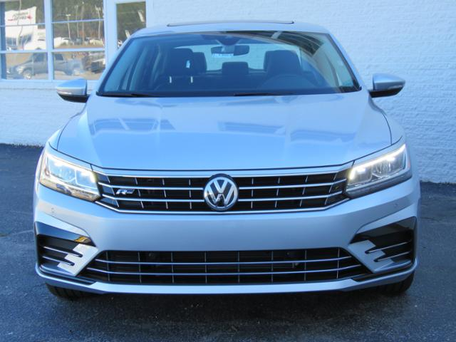 New 2019 Volkswagen Passat 2 0t Se R Line 4dr Car In